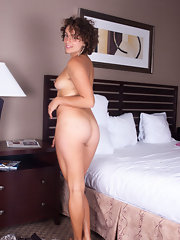 Sexy Horny Wife Getting Naked in Bed - Free Porn