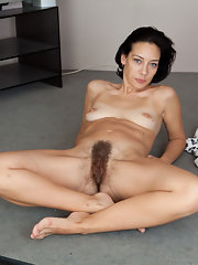 Pregnant violette 25 years old 2 8
