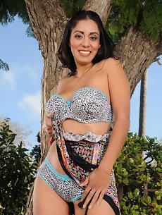 Bianca Mendoza Nude Photos 89