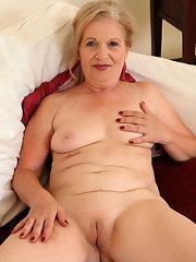 Naked shaved beautiful mature women
