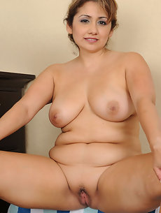 Nude Oldies - Quality Picture Galleries - Nude Older Women ...