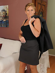 Walleria sits on her big red dildo 6