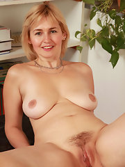 sexy nice black girls is naked