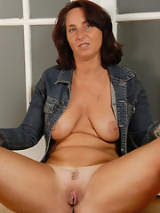 Nude women butt pics abuse