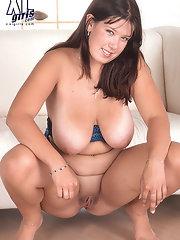 Large Nipples Galleries